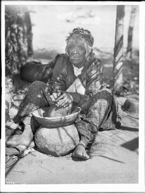 File:Maria Casseri, a Coahuilla Indian woman, grinding