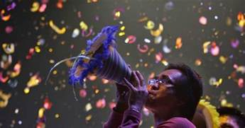 new year in the philippines 2014 12 strange traditions on new year s born a