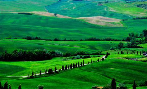 www wallpaper wallpaper tuscany 4k hd wallpaper italy meadows hills