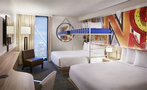 Hotel Bunk Beds The Linq Hotel Offers Bunk Beds On The Vegas Front Desk Tip