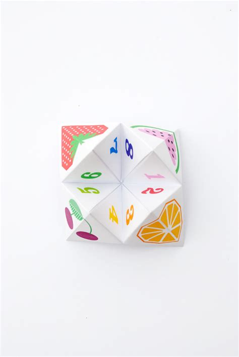 Origami Chatterbox - origami fortune teller aka chatterbox minieco