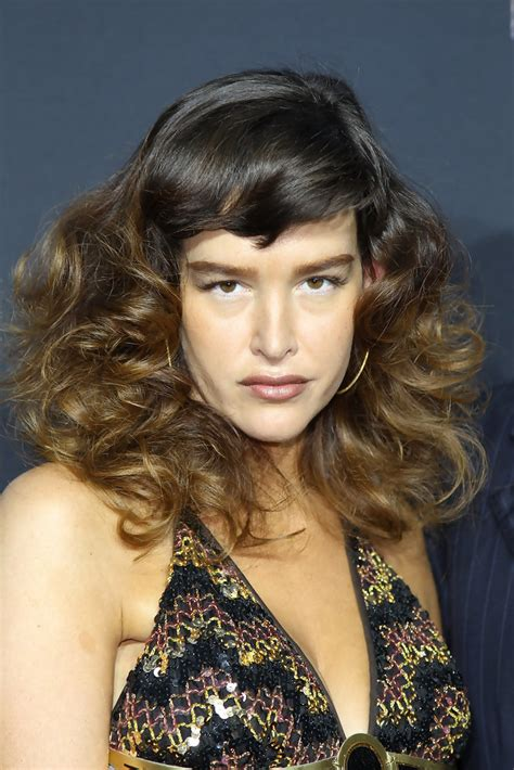 boardwalk empire ladies haircuts paz de la huerta medium curls with bangs paz de la