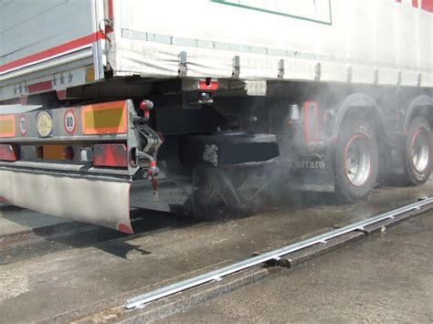 lavaggio interno auto prezzi servizi per i camion lavaggio cisterne pulizia e
