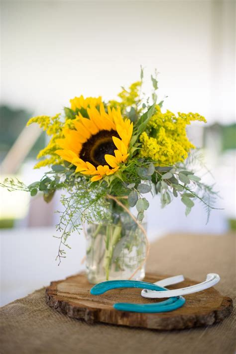sunflower centerpieces for wedding best 25 sunflower centerpieces ideas on