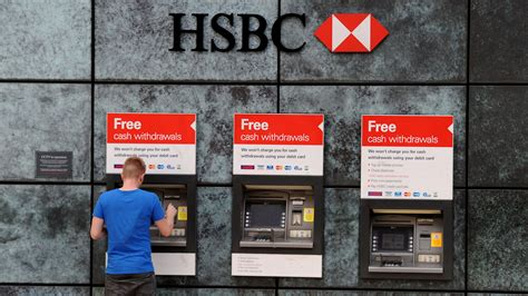 hsbc bank image hsbc customers without pay after technical glitch itv news