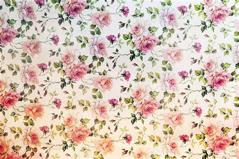 wallpaper floral pink vintage weinlese rosa rosen wallpaper in einer wiederholung