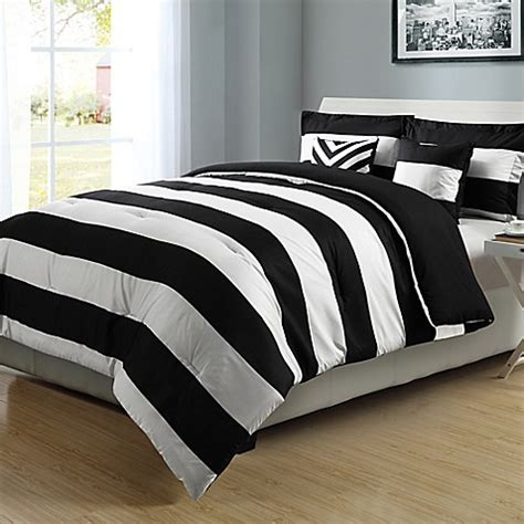 graphic stripe reversible comforter set in black white