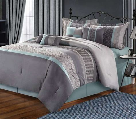 pink beige carpet and headboard skirt green beige walls vikingwaterford com page 135 charming bedroom with