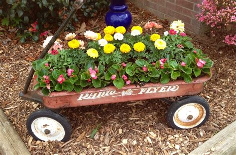 Wagon Planters by I Used A Radio Flyer Wagon As A Planter In Yard