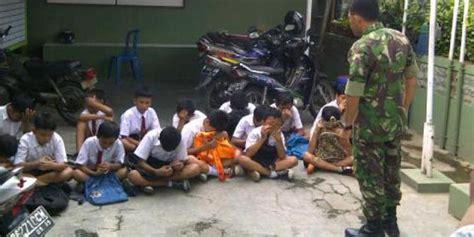 Tas Sekolah Anak Anak Tbg 335 tertangkap saat tawuran anak sd menangis dibawa ke