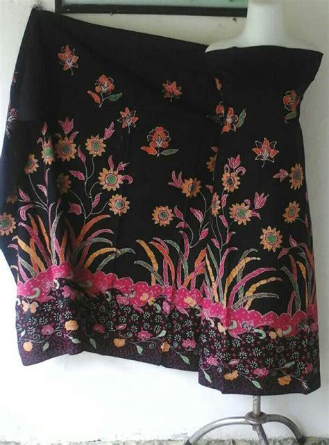 Handuk Ponco Banyak Motif Laki Ready Stock 1 batik motif bunga warna dasar hitam batik madura