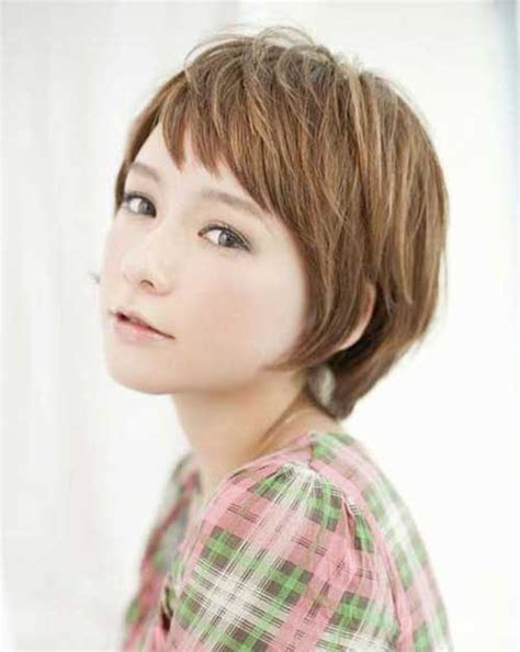 short to medium hairstyles with layers around the face 25 popular layered short haircuts short hairstyles 2016