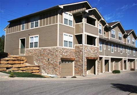 West Gardens Apartments by Apartments For Rent Ironwood Court And Park