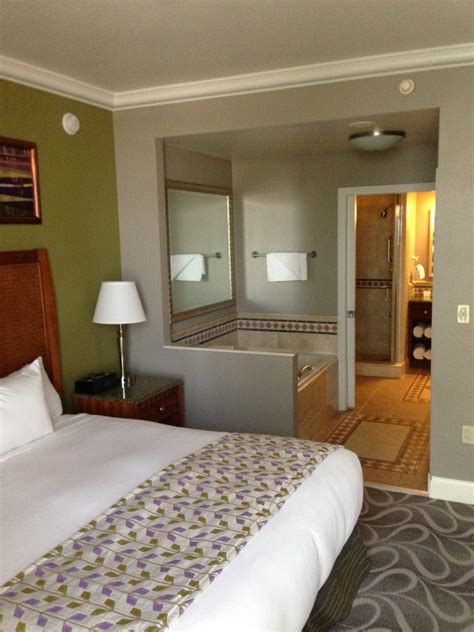 hilton bedroom suite green espirit hilton grand vacations suites on the las