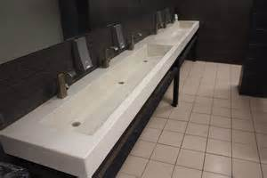 Extended box trough concrete sinks and countertops