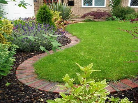 Is Landscape Edging Necessary Best 25 Lawn Edging Ideas On Edging Ideas