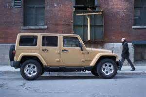2014 jeep wrangler unlimited 4x4 side view