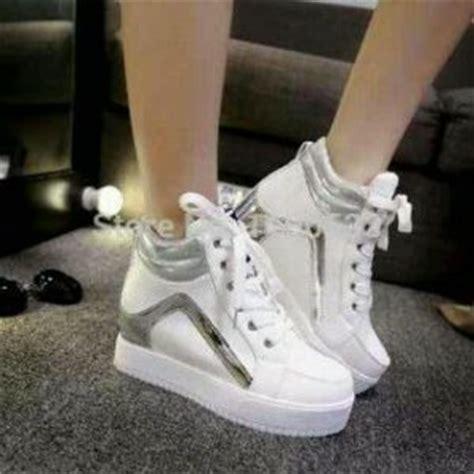 Sepatu Wanita Kets Cat Putih sepatu kets boots putih wanita model terbaru murah