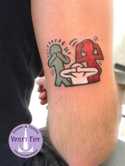 lettere d di personaggi famosi tatuaggio personaggi artisti famosi violet