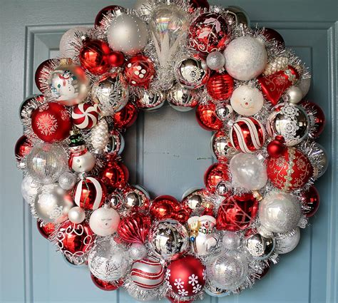 wreaths decorated with ornaments mouthtoears 30 beautiful and creative handmade wreaths