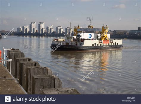 thames river boats from woolwich woolwich ferry crossing the river thames stock photo