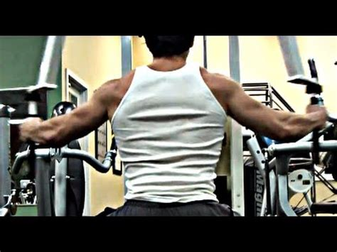 avoid shoulder injury bench press quick tip bench press warm up to prevent shoulder injury