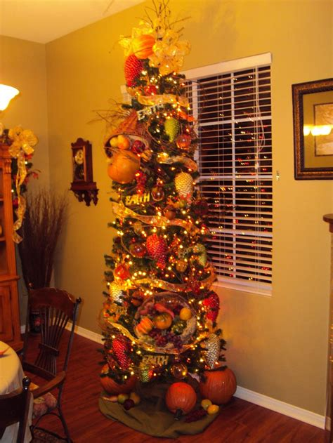 christmas tree fall theme holiday decorating pinterest