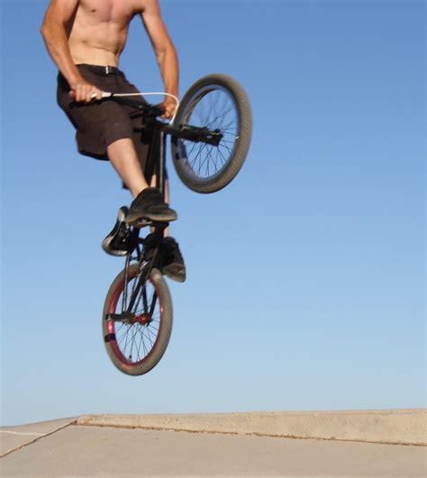 videos28771bmx bike tricks jumps how to do a bunny hop bmx tricks blores com easy to learn bmx bike tricks