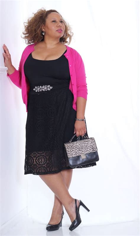 plus size casual chic style kiyonna lace skirt dressy casual curvy outfit ideas