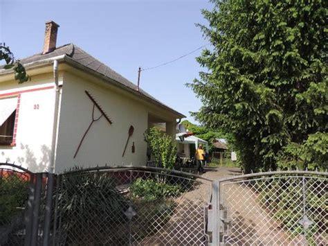 wohnhaus zu kaufen gesucht gro 223 es wohnhaus mit scheune und garten in s 252 dungarn zu
