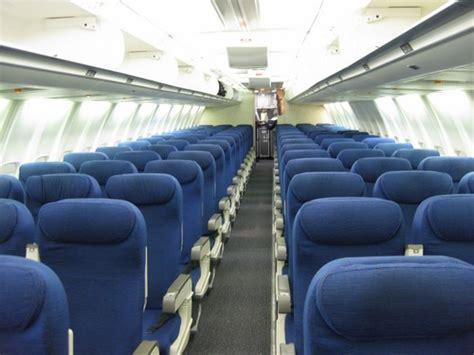 B757 Interior by Ua 294 Sea Sfo