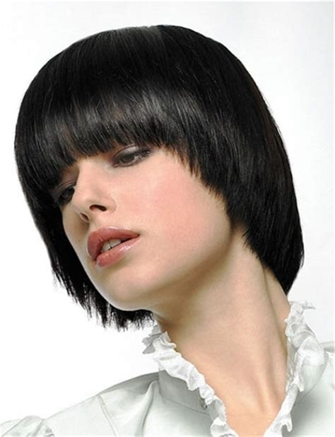 what hairstyle for an oval with jowls graduated fringe