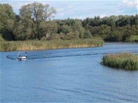 roeiboot biesbosch fietsen varen en lopen in de biesbosch botenverhuur in