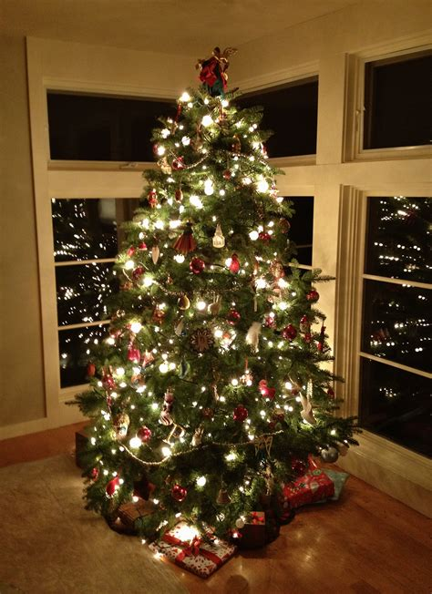 different ways to light a christmas tree last minute decorating ideas