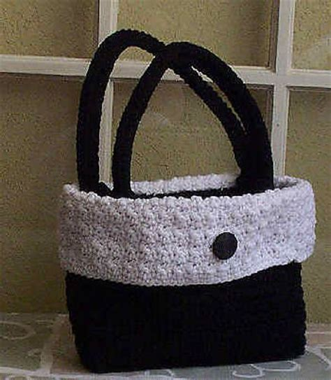 free tote bag pattern pinterest uptown bag free crochet pattern crochet purse handbag