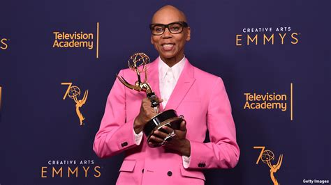 rupaul hey sis it s christmas 10 things you need to know this week december 17 23 on