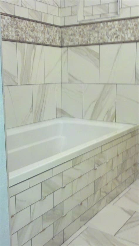 Tiling Side Of Bathtub by 12 Best Images About Guest Bath Remodel On