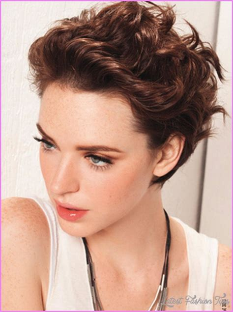 haircuts curly hair oval face short haircut curly hair oval face latestfashiontips com