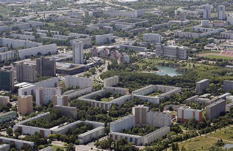 wohnungen halle neustadt immer mehr fl 252 chtlinge halle pr 252 ft immobilien st 228 dtischer