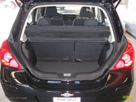 nissan tiida trunk space 2009 nissan versa 1 8 s hatchback trunk photo 38272080