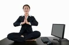 tutorial yoga en la oficina 10 ejercicios de yoga que puedes hacer en la oficina chakra