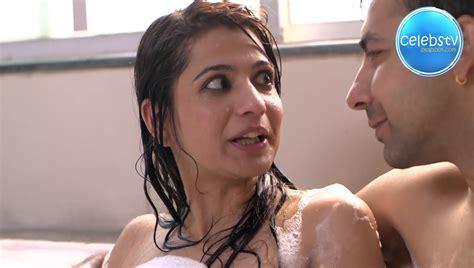 hot bathroom video tv serial aunty cheating husband hot bath scene with bf sexy celebs world