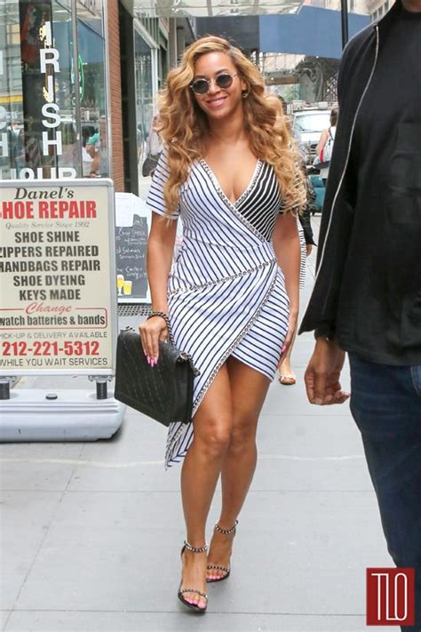 beyonce street style beyonc 233 heads to her office in new york city in romeo