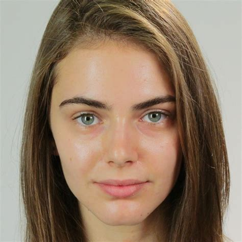 Models Without Makeup Are Still Freakin Gorgeous by Here S What Top Professional Models Look Like Without Makeup