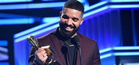 drake takes top honours  billboard  awards