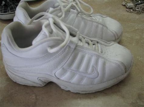 solid white athletic shoes nike solid white tennis shoes leather class 5 5 yw ebay
