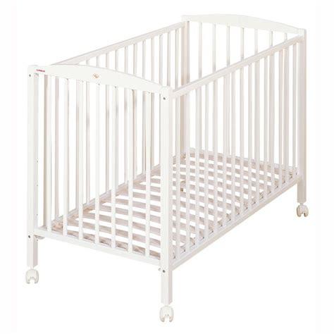 lit bebe en bois lit b 233 b 233 bois massif laqu 233 blanc de combelle
