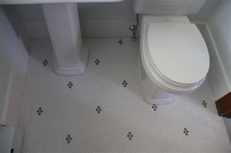 Small Bathroom Flooring Ideas by Small Bathroom Floor Tile Patterns Peenmedia