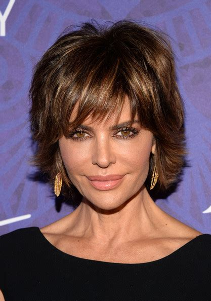 lisa rinna long layered hair lisa rinna layered razor cut layered razor cut lookbook