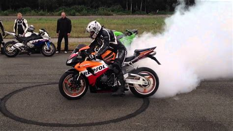 Yamaha Motorrad Sound by Bikers Compilation 2016 Burnout Acceleration Beautiful